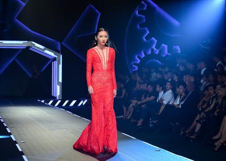 Show dien Chung Thanh Phong: Hao nhoang nhung an toan - Anh 3