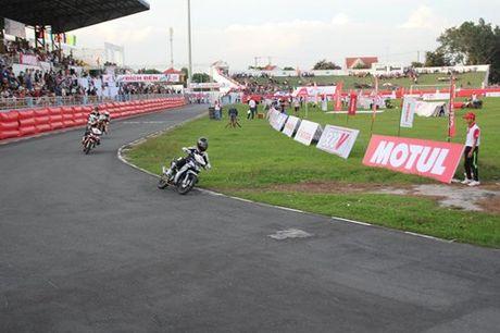 Motul 'tiep lua' hang muc dua Honda Winner 150cc - Anh 2