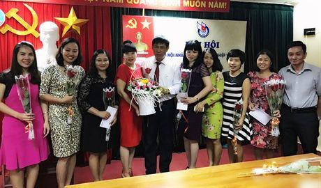 Gap mat chi em phu nu Bao NNVN nhan ngay 20/10 - Anh 2