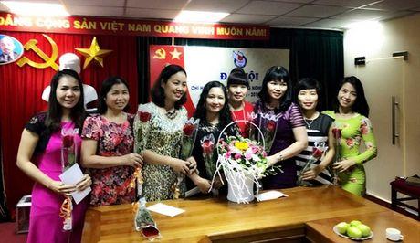 Gap mat chi em phu nu Bao NNVN nhan ngay 20/10 - Anh 3