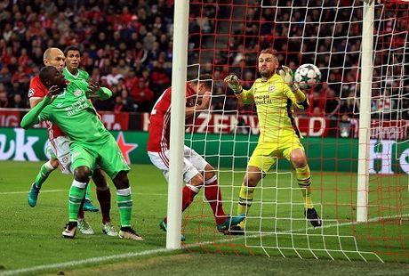 Robben da phat tinh quai, Kimmich lai ghi ban, Bayern thang de PSV - Anh 1