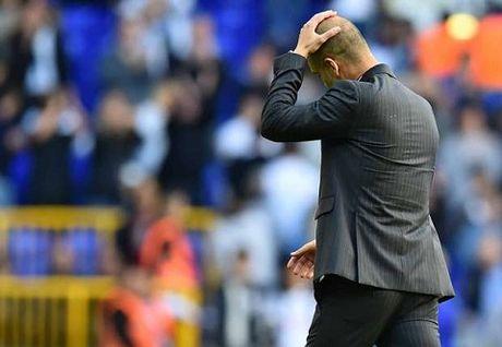 DIEM NHAN: Guardiola kem hon Pellegrini. Man City dang thut lui o Champions League - Anh 3