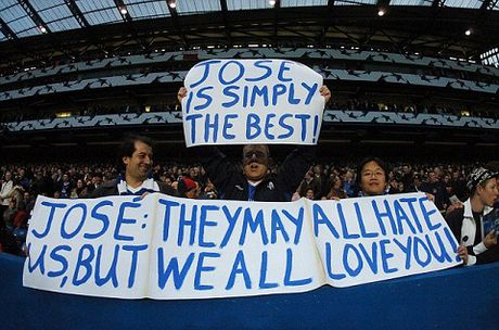 Chelsea 'phu phang' voi Mourinho trong ngay tro lai Stamford Bridge - Anh 2