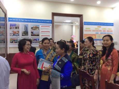 Hoi LHPN TP.HCM va Hoi LHPN Thu do Vieng Chan (Lao) ky ket hop tac giai doan 2016-2021 - Anh 2