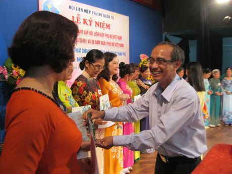 Quan 10: Chao mung thanh cong Dai hoi Dai bieu Phu nu TP - Anh 4