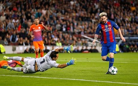 Messi lap hat-trick, Barca 'vui dap' Man City - Anh 1