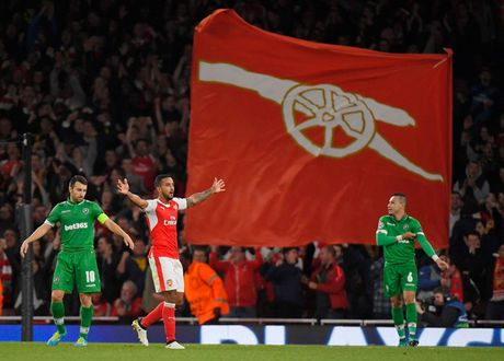 Toan canh chien thang 'huy diet' cua Arsenal truoc Ludogorets - Anh 7