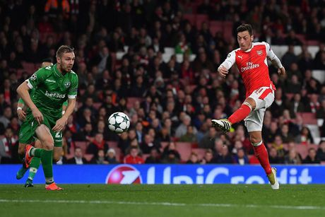 Toan canh chien thang 'huy diet' cua Arsenal truoc Ludogorets - Anh 9