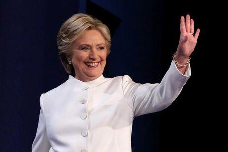 Anh phut dau cuoc tranh luan cuoi cung giua Trump va Clinton - Anh 2