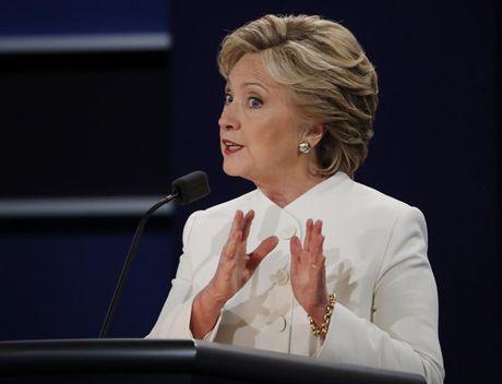 Anh phut dau cuoc tranh luan cuoi cung giua Trump va Clinton - Anh 8