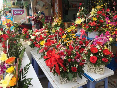 Thi truong hoa ngay 20/10: Soi dong o phan khuc hoa cao cap - Anh 2