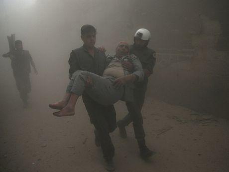 Nga-Bi tranh cai vu khong kich lam dan thuong thiet mang o Syria - Anh 1