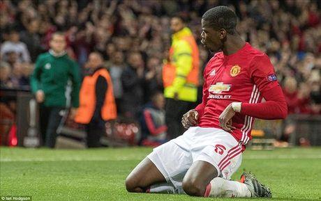 Jose Mourinho: Khong ai con dam chi trich Paul Pogba - Anh 1