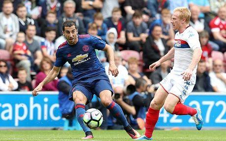 Mourinho giai thich li do Mkhitaryan vang mat o tran gap Fenerbahce - Anh 1