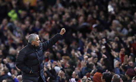 Chum anh: Pogba - Lingard thang hoa, Man Utd vui dap Fenerbahce tai Old Trafford - Anh 12