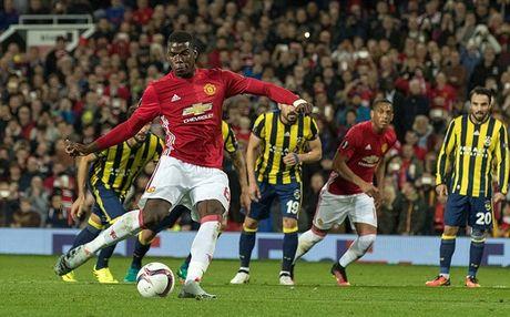 Chum anh: Pogba - Lingard thang hoa, Man Utd vui dap Fenerbahce tai Old Trafford - Anh 3