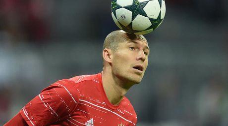 Gap doi thu kho chiu, Ancelotti tiep tuc tin dung Robben - Anh 1