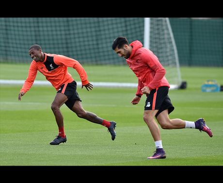 Sao Liverpool dua gion vui ve, san sang ha West Brom - Anh 7