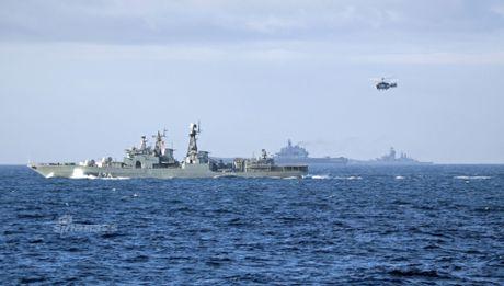 Nhom tau chien Nga hung ho toi Syria, NATO 'run ray' - Anh 6
