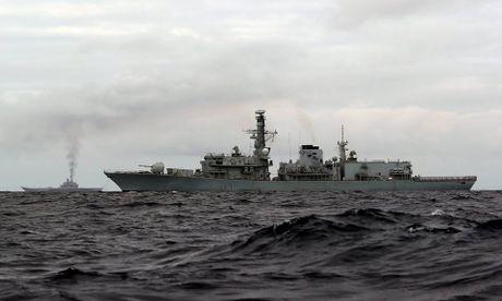 Nhom tau chien Nga hung ho toi Syria, NATO 'run ray' - Anh 8