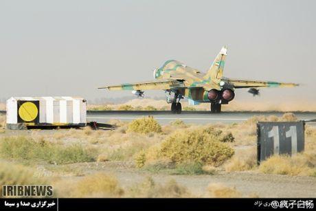 Muc kich may bay Khong quan Iran xuat kich ram ro - Anh 8
