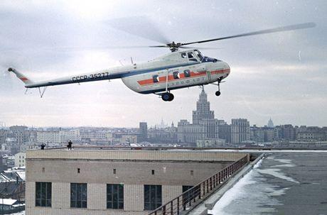 Ngac nhien: Nga hoi sinh truc thang Mi-4 tu 'nghia dia' - Anh 14