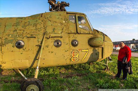 Ngac nhien: Nga hoi sinh truc thang Mi-4 tu 'nghia dia' - Anh 5