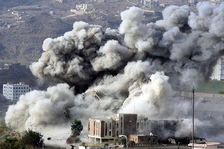 Iran tang cuong chuyen vu khi cho Houthi - Anh 1