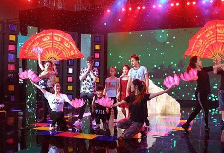 Chung ket Nguoi hung ti hon: Dam Vinh Hung bat ngo tro luc cho be Lam Giang - Anh 4