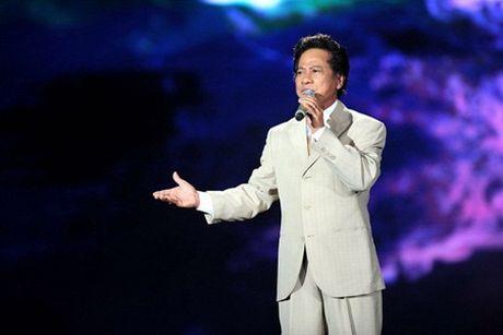 Che Linh chinh thuc giai thich ve 3 ca khuc chua duoc cap phep - Anh 1