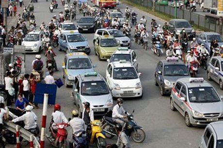 Ha Noi kiem soat taxi ngoai tinh - Anh 1