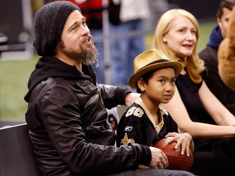 Con trai lon da dong y gap Brad Pitt - Anh 1