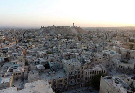 """Doi tau san bay Nga dinh """"dut diem Aleppo"""" - Anh 1"""