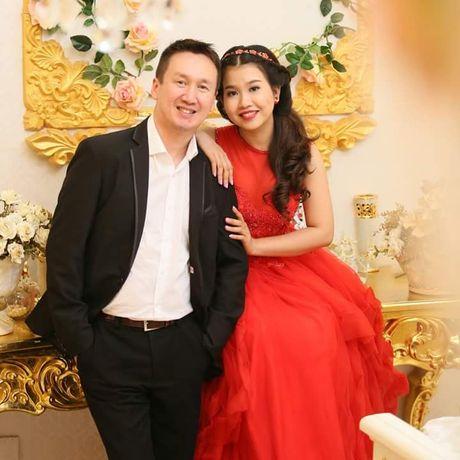 Chuyen tinh dep kho tin (21): Doi giay 250 nghin det nen hanh phuc co gai Viet - Anh 4