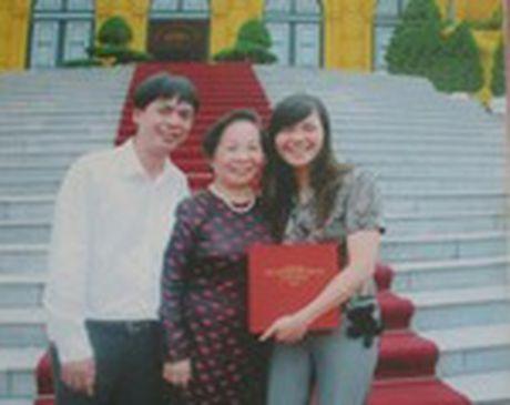 Chuyen tinh dep kho tin (21): Doi giay 250 nghin det nen hanh phuc co gai Viet - Anh 5