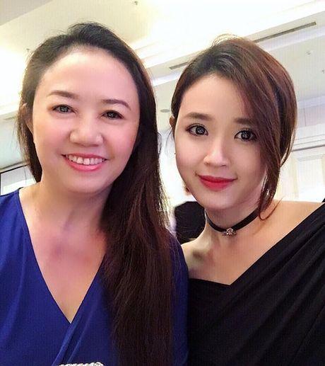 Sao Viet 21/10: Minh Hang duoc tang hoa cao bang nguoi, Thu Thao lung tran mong manh - Anh 3