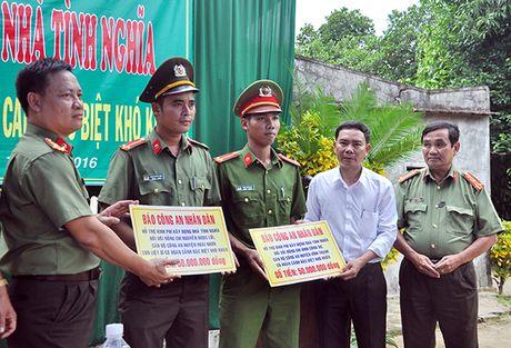 Ho tro xay 4 can nha tinh nghia cho CBCS Cong an Phu Yen va Binh Dinh - Anh 3