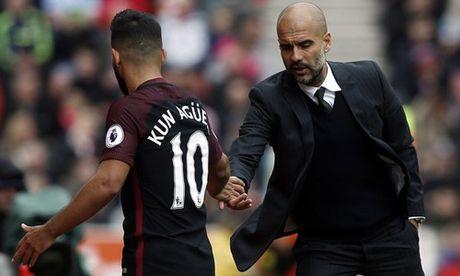 Bien o Man City: Pep se loai bo Aguero nhu Joe Hart - Anh 1