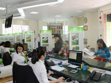 Vietcombank dat 5.058 ty dong loi nhuan 9 thang - Anh 1