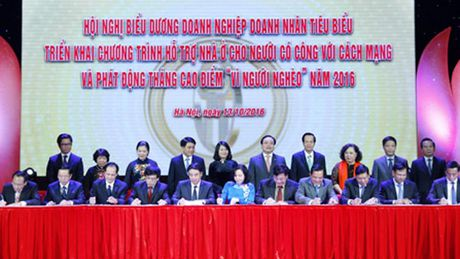 Capital House tang nha tinh nghia cho nguoi co cong - Anh 1