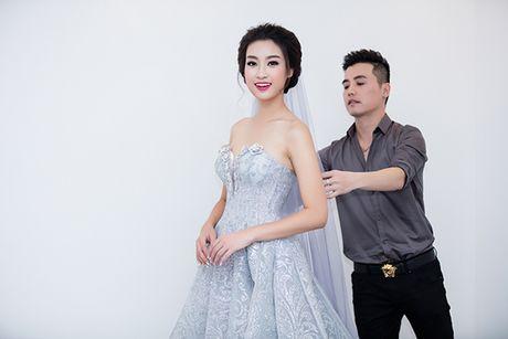 Hoa hau Do My Linh lam co dau long lay - Anh 2