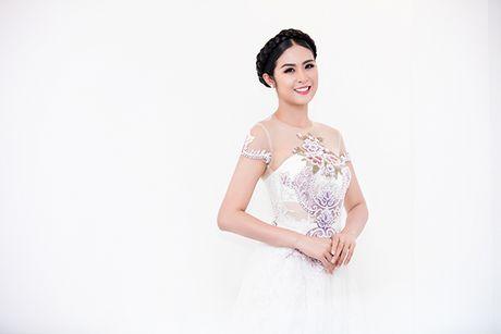 Hoa hau Do My Linh lam co dau long lay - Anh 9