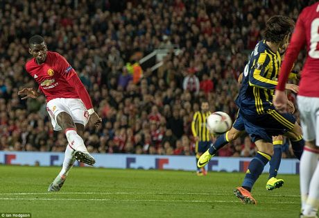 Manchester United 4-1 Fenerbahce : Pogba 2 lan no sung - Anh 2