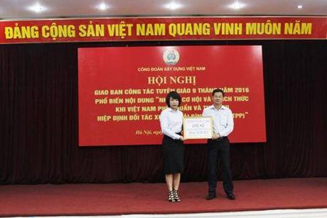 CBCNV nganh xay dung tiep tuc ung ho dong bao vung lu lut - Anh 1