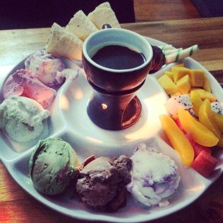 Nhung quan kem la mieng o Ha Noi hut khach ngay nang thu - Anh 5