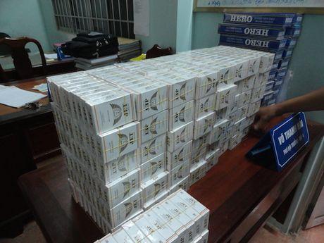 Loi dung xe cap cuu, van chuyen 750 goi thuoc la lau - Anh 1
