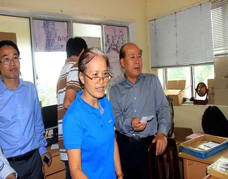Thu truong Nguyen Van Cong bat ngo kiem tra xe qua tai cang Cat Lai - Anh 5