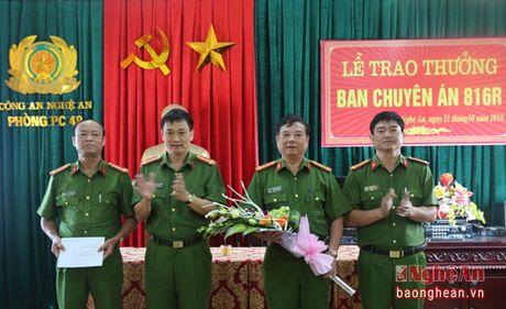 Chu tich UBND tinh khen thuong chuyen an vu pha rung o Tuong Duong - Anh 1