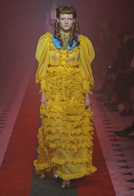 MILAN FASHION WEEK: Kinh do thoi trang ruc ro sac mau - Anh 2