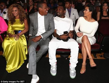 Cuoc chien giua Jay Z va Kayne West - Kim Kardashian chinh thuc bung no - Anh 3